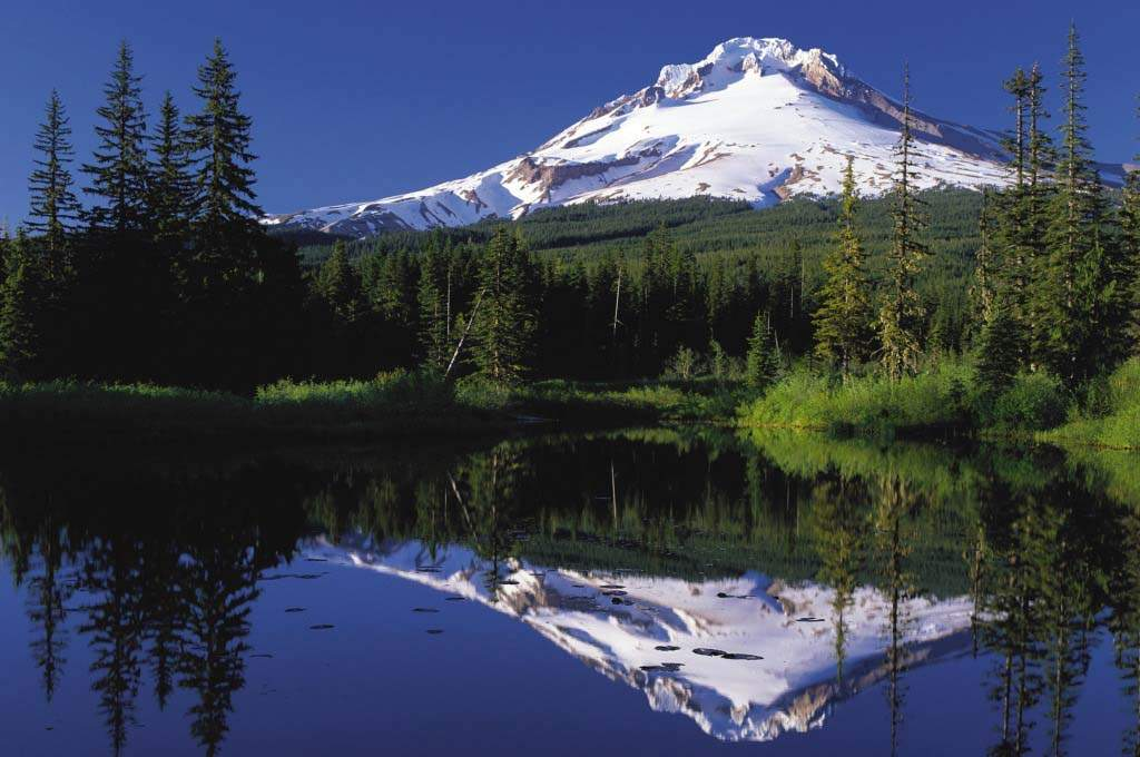 Clackamas-MT-Hood-reflection