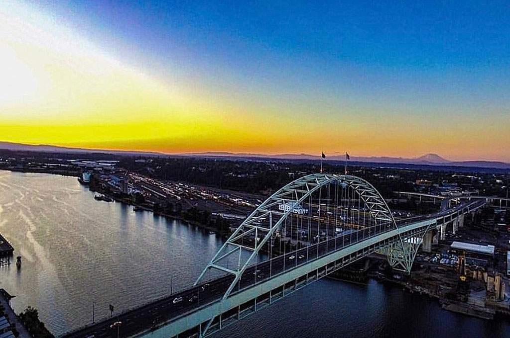 Multnomah_-Bridge_Sunset_1024x680